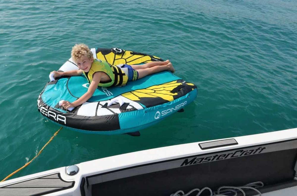 Spinera inflatable towable tube Ikran 1